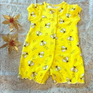 Other - Yellow bee onesie ❤️ 🐝 ❤️